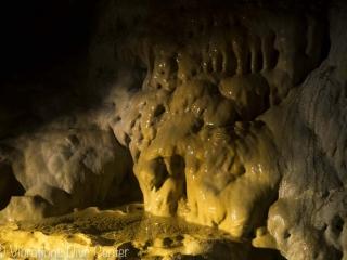 Estalactita en Cathedral Cave, Isla de Carabao, San Jose, Romblon