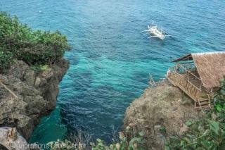 Cathedral Cave cliff Jumping en isla de Carabao, Romblon