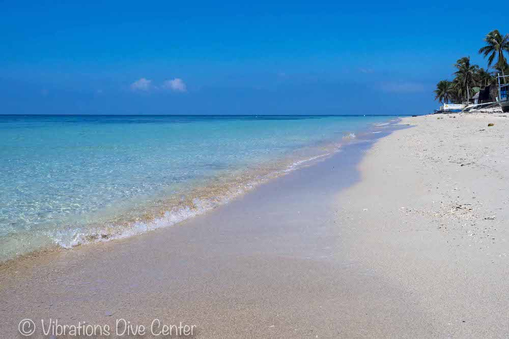 Lanas Beach on the west side of Carabao Island