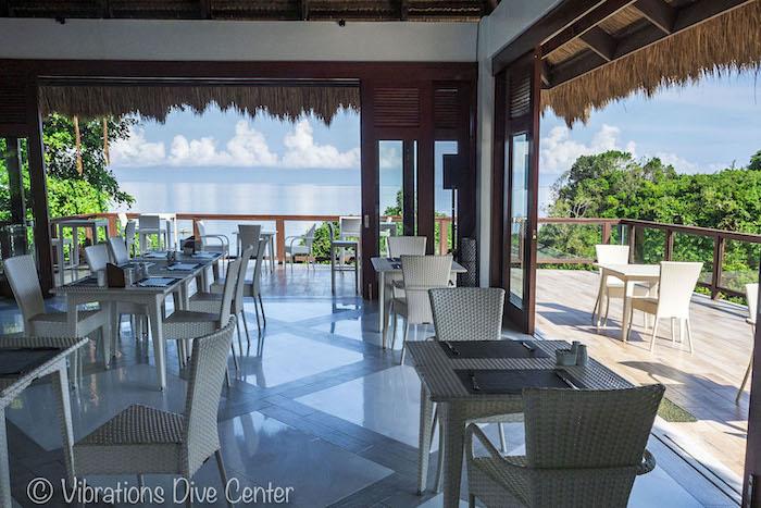 Restaurante de Oceans Edge Resort, Isla de Carabao, San Jose, Romblon