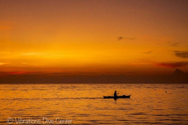 Sunset Lanas Beach, San Jose, Carabao Island, Romblon. Informations about activities and things to do on Carabao.