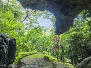 Vista desde Ngiriton Cave, Isla de Carabao, San Jose, Romblon