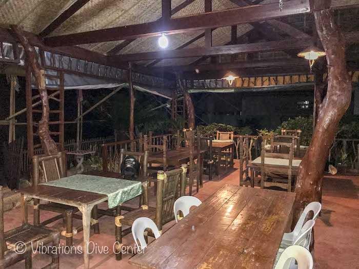 Restaurant Nipa Haus sur l'île de Carabao, Romblon