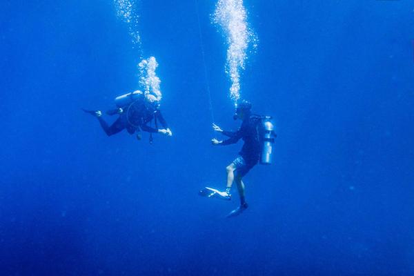 Formation plongée advanced open water niveau 2 à Carabao avec Vibrations.