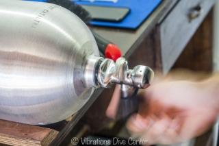 assembling valve on diving tank
